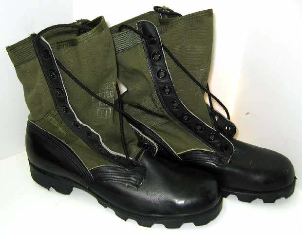 dating jungle boots)