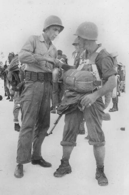 503rd PIR jump at Nadzab, New Guinea 1943(what would they have  used/carried?) - MILITARY HISTORY DISCUSSIONS - U.S. Militaria Forum